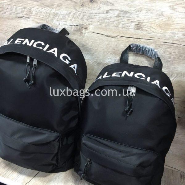 черный рюкзак BALENCIAGA баленсиага спортивного стиля фото