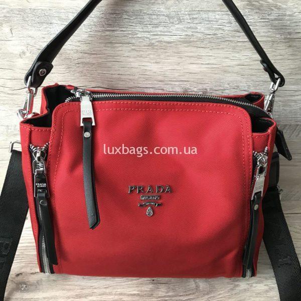 красная сумка прада из текстиля