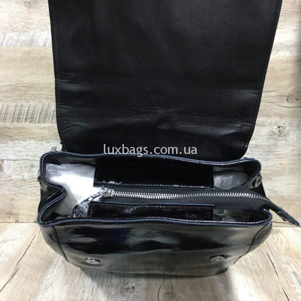 лаковый рюкзак-сумка чёрного цвета фото 3