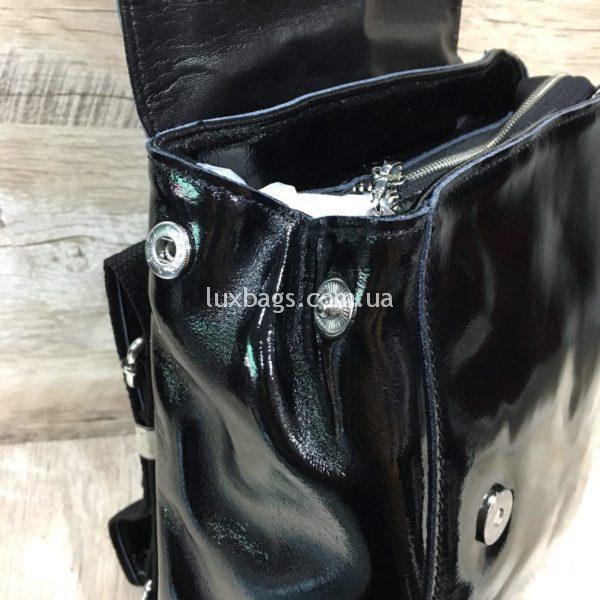 лаковый рюкзак-сумка чёрного цвета фото 2