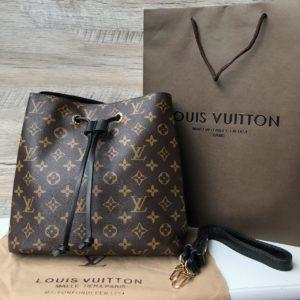 Женская сумка-мешок Louis Vuitton