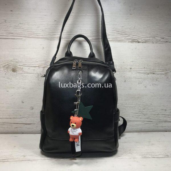 Женский кожаный рюкзак с мишкой черный