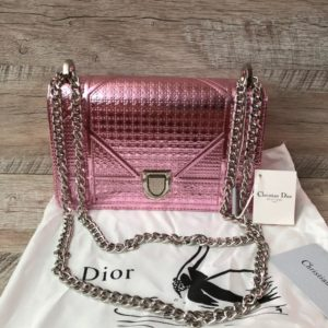 Розовая сумка Dior Diorama