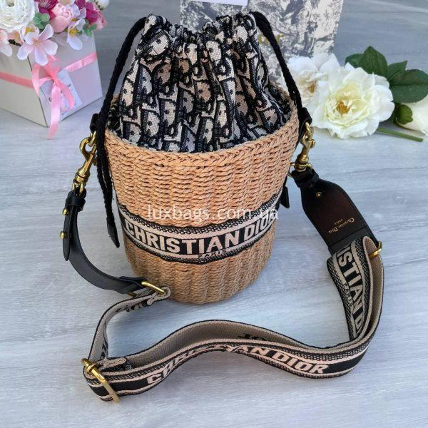 Соломенная женская сумка Christian Dior.