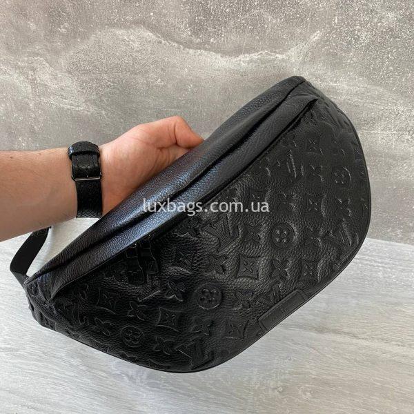Нагрудная-поясная сумка Louis Vuitton черная.