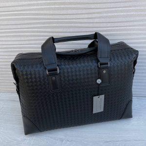 Дорожная сумка плетеная Bottega Veneta.