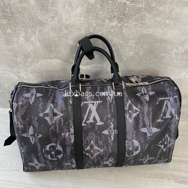 Стильная дорожная сумка на молнии Луи Виттон.